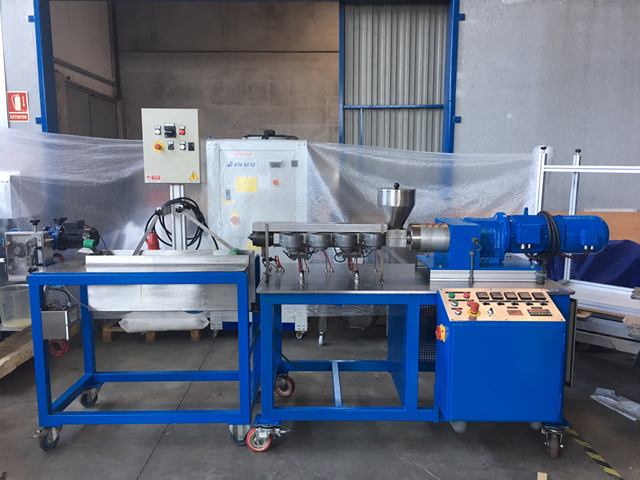 Extrusora reciclado, granceado laboratorio o pequeñas producciones